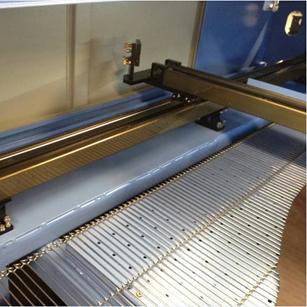 1800x1000mm Auto Feeding Fabric Laser Cutting Machine