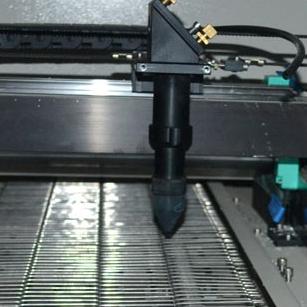 1600X1000mm Auto Feeding Fabric Laser Cutting Machine with Camera